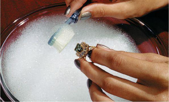 Как почистить драгоценные камни в домашних условиях