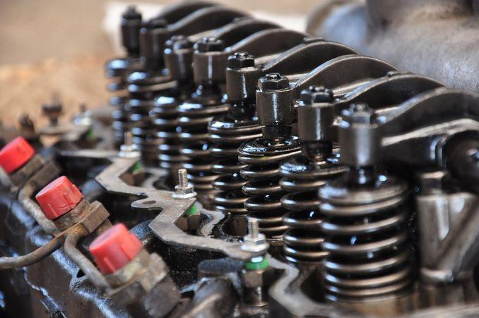 Как заменить масло в двигателе автомобиля