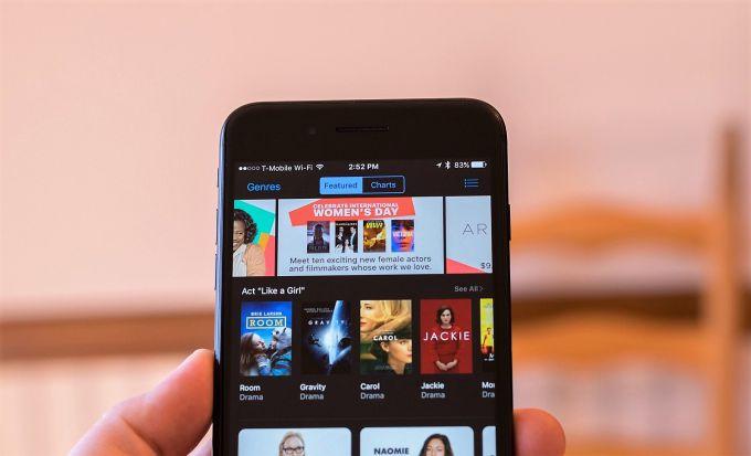 Вы можете скачать музыку на Айфон через iTunes с компьютера