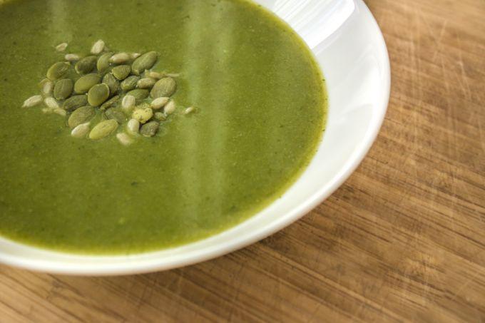 Как приготовить полезный зелёный супчик с брокколи