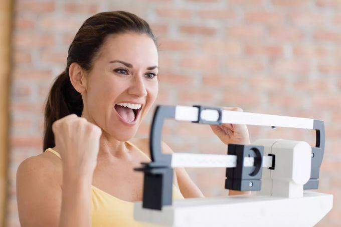 Как рассчитать идеальный вес для девушки
