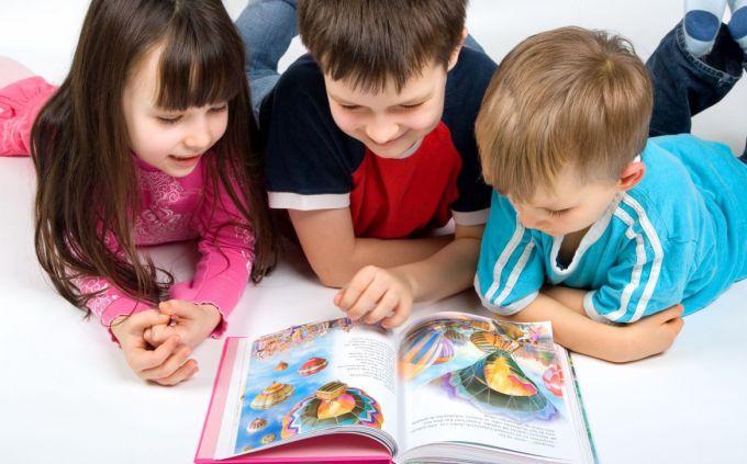 Какие книги выбрать для детей от полутора до двух лет