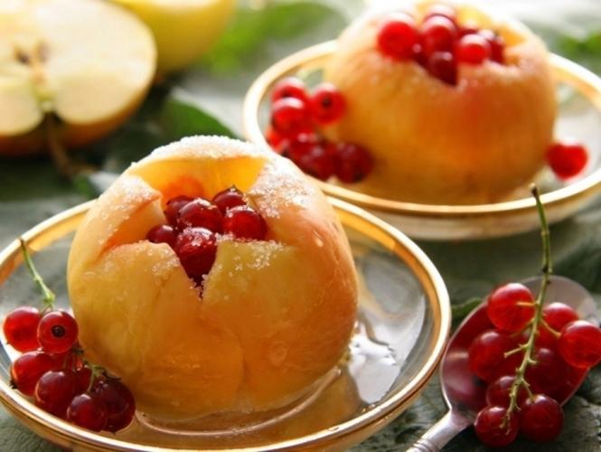 Как запечь вкусные яблоки в духовке