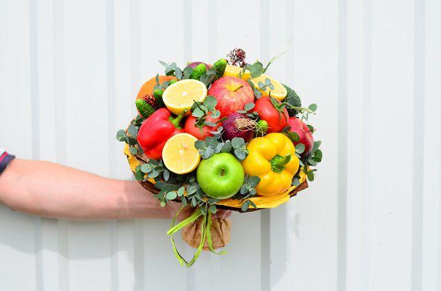 Овощной фруктовый букет своими руками 19