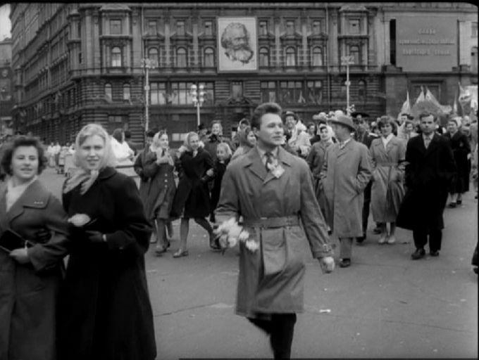 кадр из к/ф « Мне двадцать лет», режиссер Марлен Хуциев