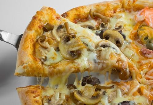Как приготовить быструю пиццу с грибами