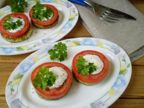 Кабачки на сковороде с чесноком и помидорами