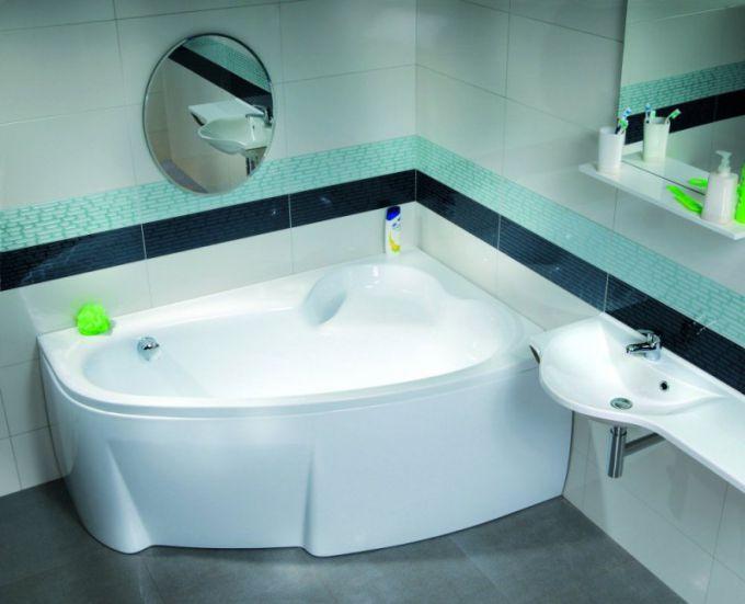 В чем особенности акриловых угловых ванн