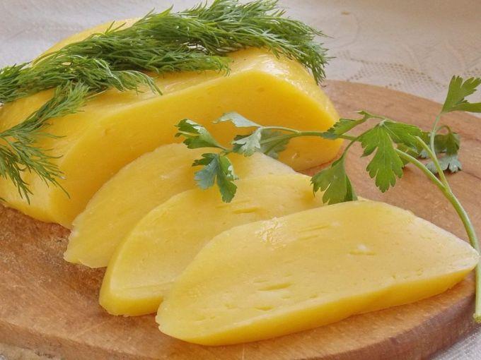 Как приготовить вкусный сыр в домашних условиях