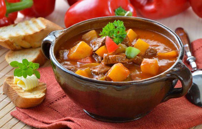 Картофель с мясом по-деревенски