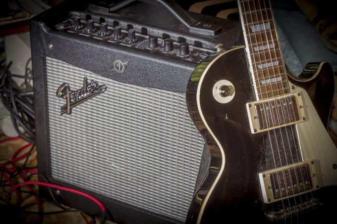 В чем разница между активным и пассивным звукоснимателем