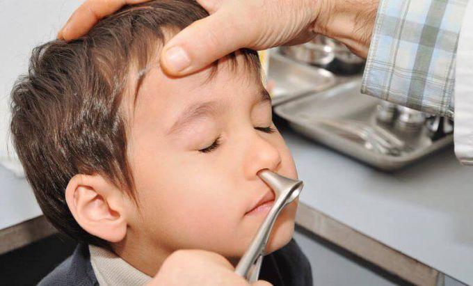 Почему у ребенка не дышит нос