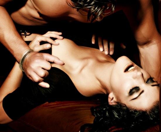 Как мужчина может определить, что женщина имитирует оргазм