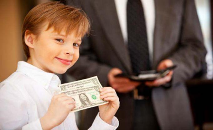 Нужно ли давать детям карманные деньги