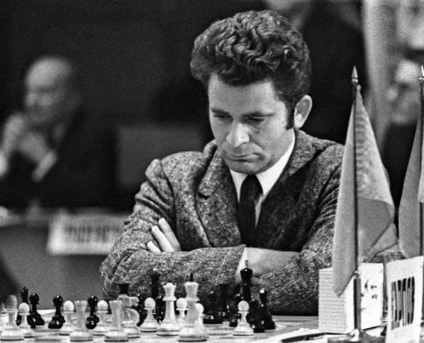 чемпионат мира по шахматам партии
