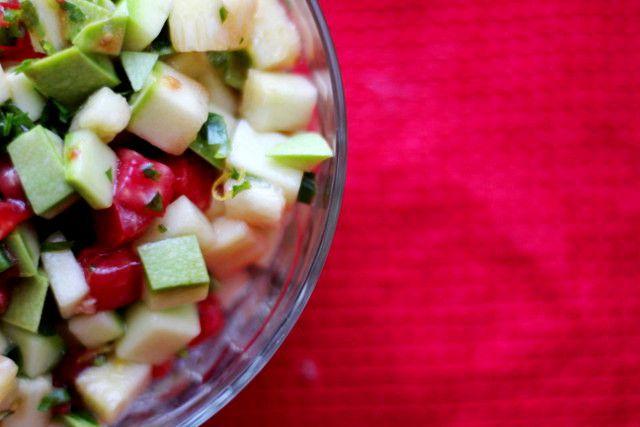 Как приготовить салат из сырых кабачков