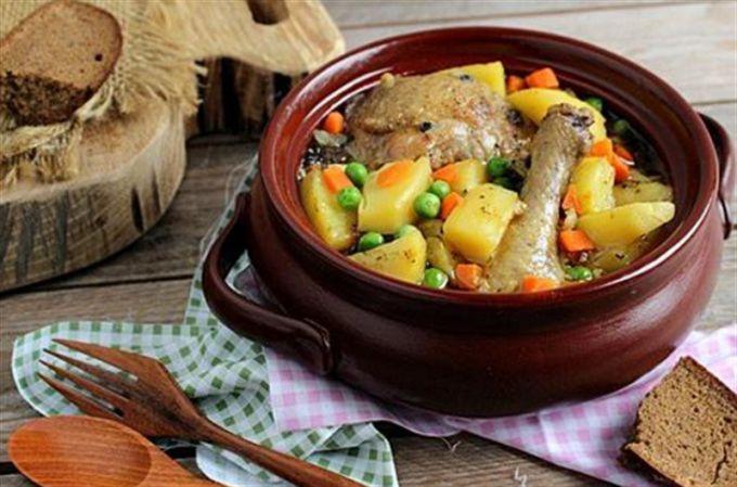 Как приготовить курицу в горшочках