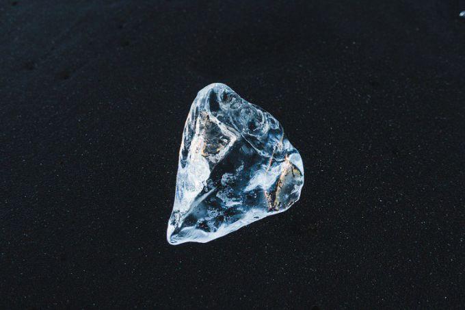 Имеет ли алмаз запах
