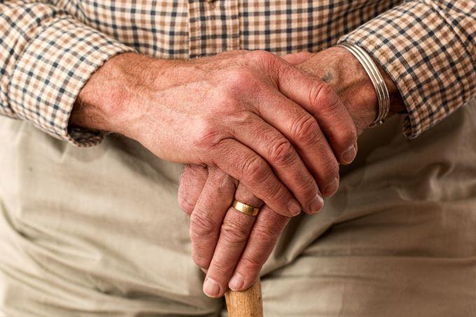 Можно ли сократить пенсионера по инициативе работодателя
