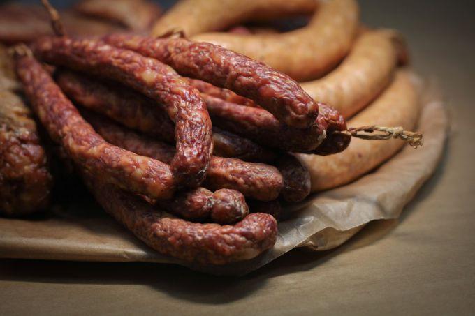 Блюда с охотничьими колбасками: пошаговые рецепты с фото для легкого приготовления