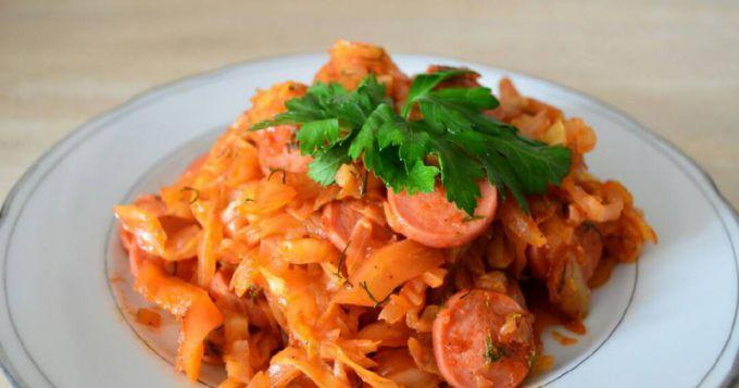 Тушеная капуста с сосисками: пошаговые рецепты с фото для легкого приготовления