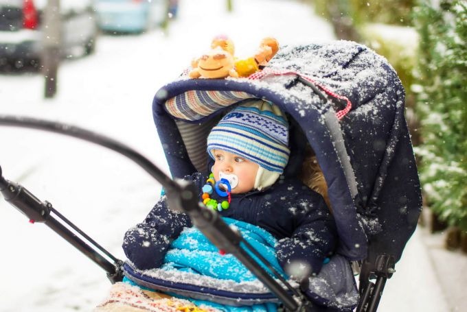 Гулять после прививки можно лишь в хорошую погоду.