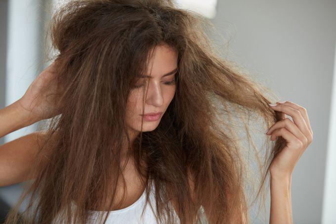 Если волосы путаются - необходимы срочные меры.