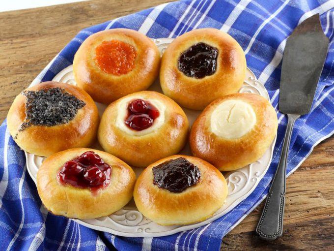 Сладкие булочки из дрожжевого теста: пошаговые рецепты с фото для легкого приготовления