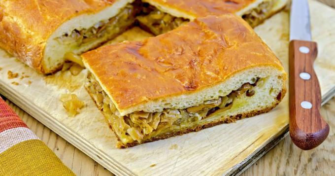 Слоеный пирог с капустой: пошаговые рецепты с фото для легкого приготовления