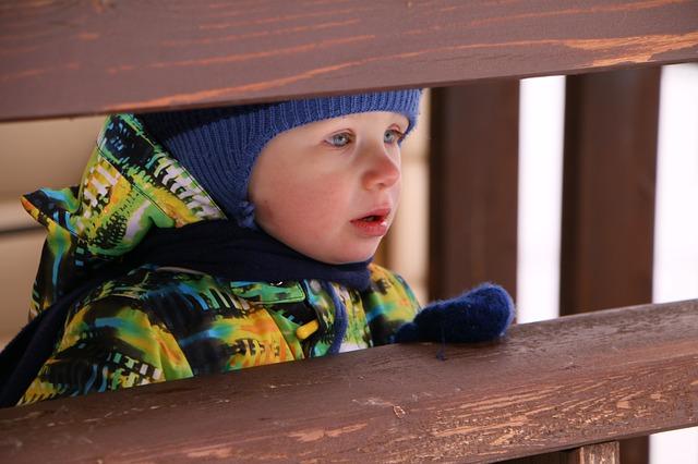 Можно ли гулять с ребенком во время простуды