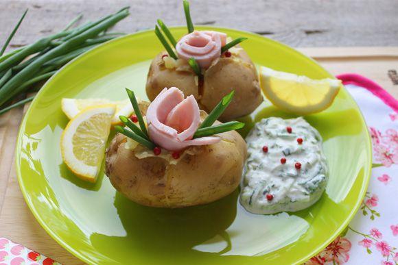 Картофель со сметанным соусом к праздничному столу