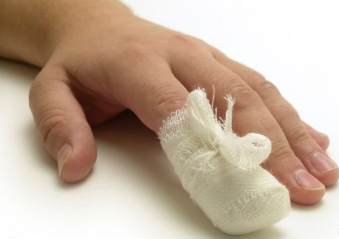 Что делать когда нарывает палец