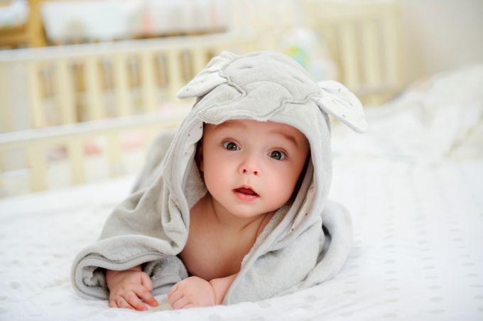 Жидкий стул у грудничка: как помочь малышу