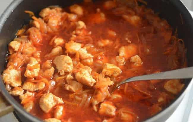 Гуляш из курицы с подливкой: пошаговые рецепты с фото для легкого приготовления
