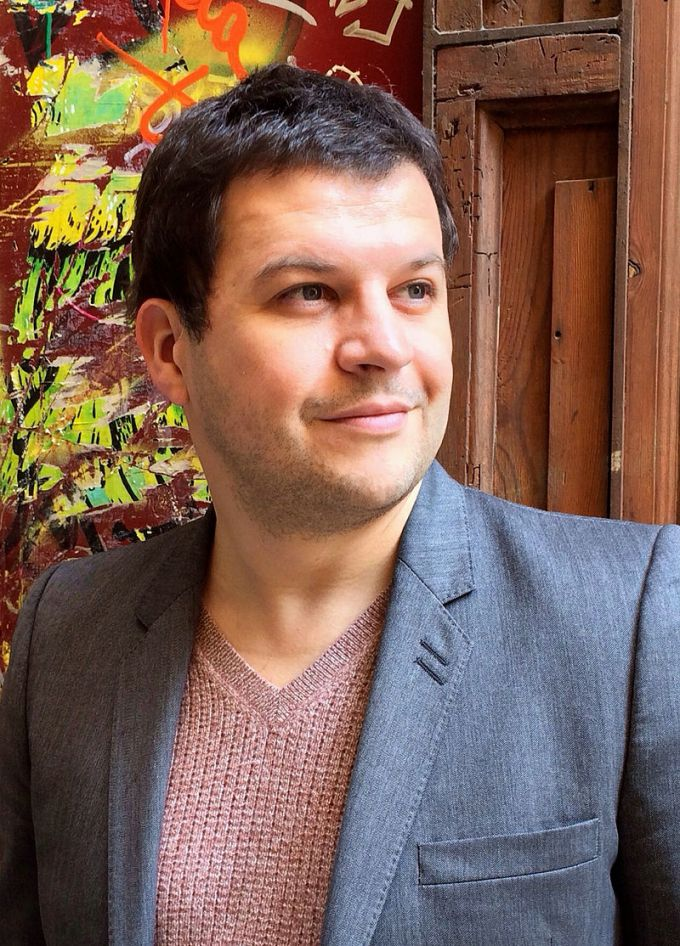 Гийом Мюссо - французский романист, имеющий единственный официальный аккаунт в Instagram