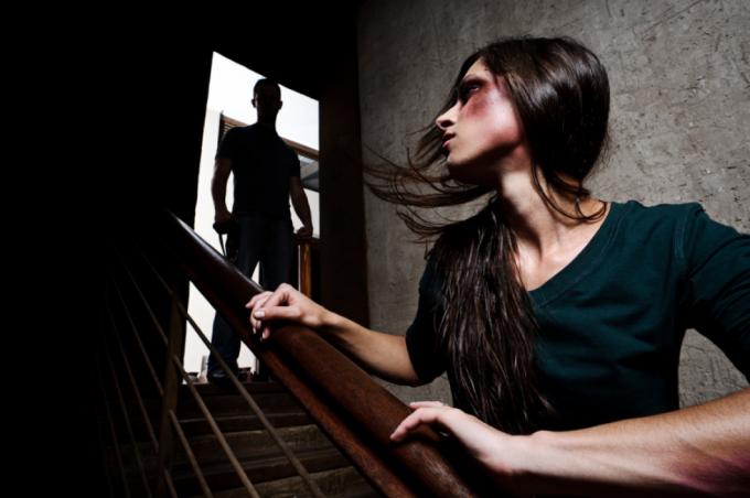 семейное насилие: виды, причины, последствия