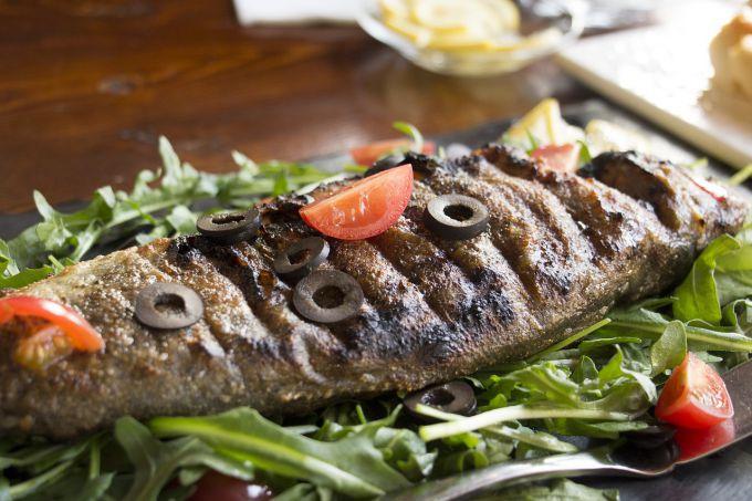 Сколько времени запекать рыбу в духовке