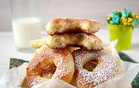 Дрожжевые пончики на молоке