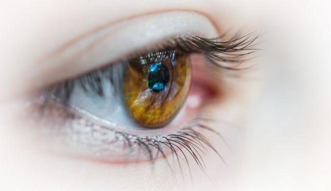 Преимущества контактных линз для улучшения зрения