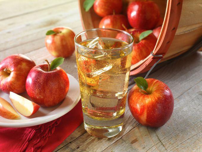 Яблочные компоты домашнего приготовления очень полезны