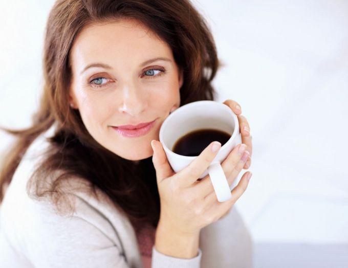 Полезно ли пить кофе по утрам