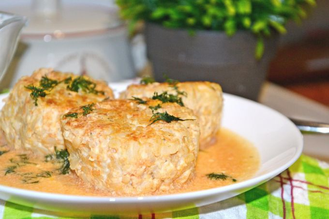 Как приготовить тефтели в сметанно-томатном соусе в мультиварке