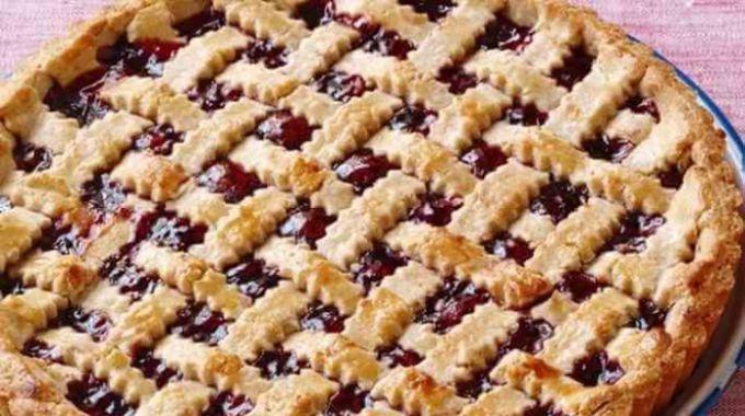 Как испечь открытый пирог с повидлом