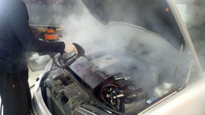 К каким последствиям приводит мытье двигателя с внутренней стороны