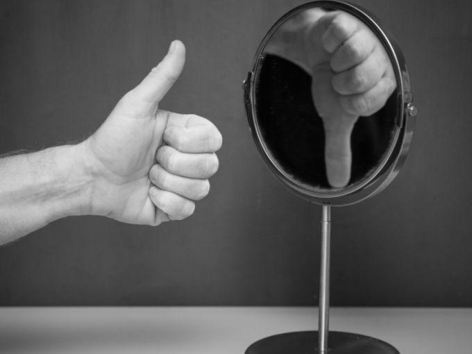 Какие бывают признаки низкой самооценки