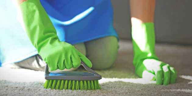Как почистить ковер домашними средствами