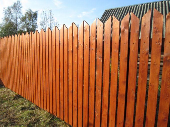 Деревянный забор-штакетник своими руками