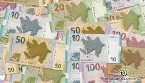 Какую валюту брать в Азербайджан