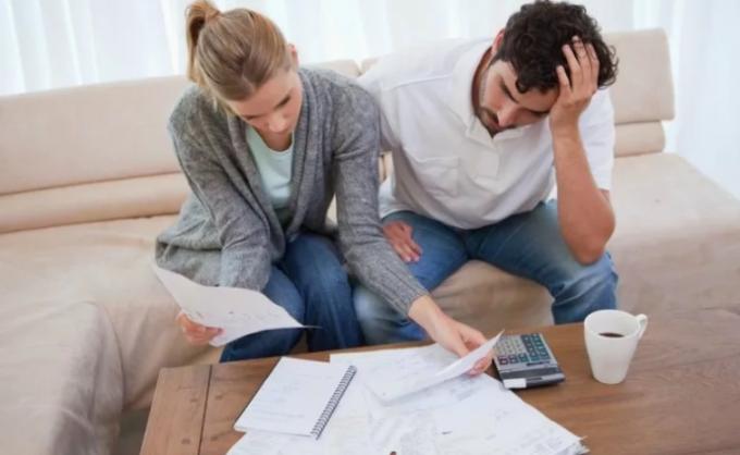 Как спрятать деньги от мужа при разводе?