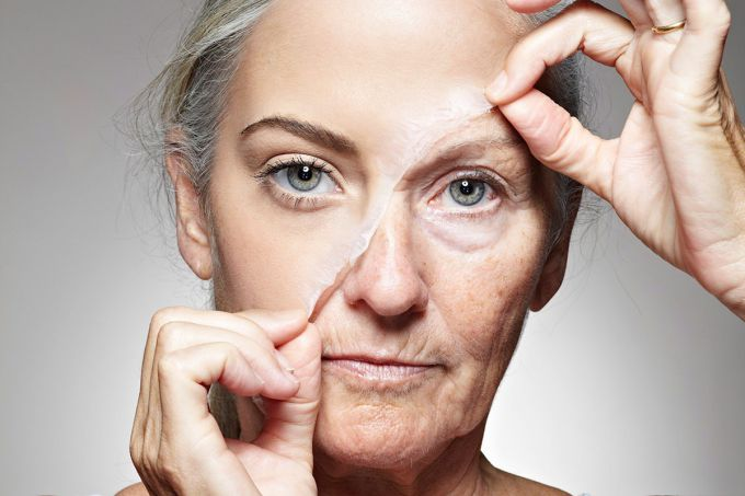 How to slow down the aging of the skin of the face